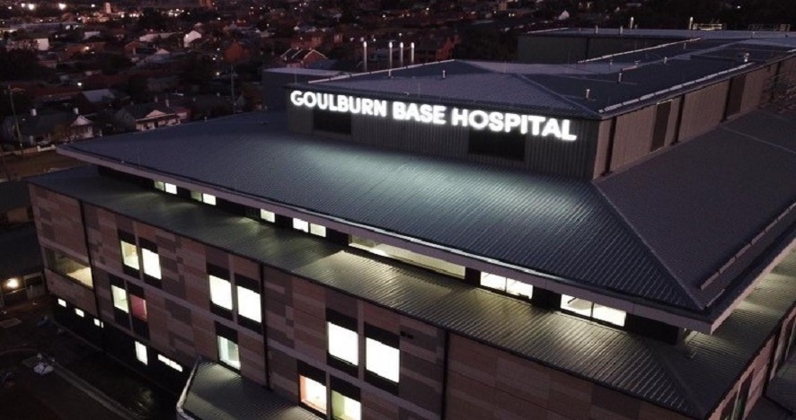 Goulburn Base Hospital sign installed